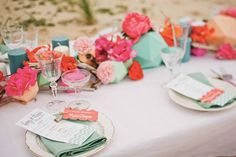 table decoration mint and peach pink