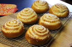 The February Daring Bakers' challenge is hosted by Julie of One-Wall Kitchen. She challenged us to an easy, simple filled bun using no-knead dough. This month's Daring Bakers' Challenge recipe is k...