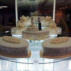 Nigerian wedding separate tier wedding cake by Repocreativa 16