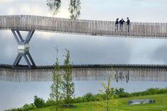Pont piétonnier et cyclable à Tirschenreuth, en Allemagne                                                                                                                                                                                 Plus