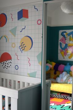 Colourful Toddler Bedroom Makeover with an 80s memphis design mural!