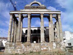 Nosotros visitamos las ruinas en España. Las ruinas de España estuvieron impresionante.
