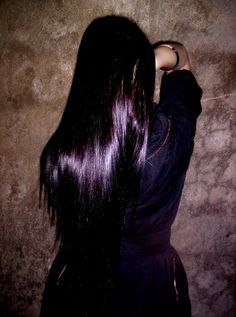 Fairfarren poem - Black with purple tint! THIS color!