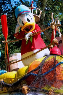 New Daisy Duck Mascot Costume Sale, Free shipping and Fast Shipping http://www.mascotshows.com/category/donald-duck.html
