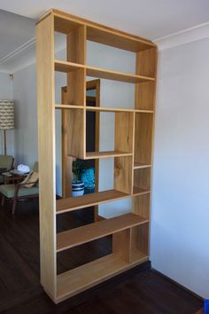 Luxury Room Divider Ideas, Room Dividers and Separators with Selves Design New Room Divider Ideas In Smart and Beautiful Design Room Divider Shelves, Room Divider Walls, Shelf Dividers, Diy Room Divider, Divider Ideas, Room Dividers, Living Room Kitchen Partition, Living Room Divider, Living Room Shelves