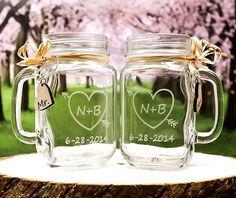 Toasting Glasses / Personalized Wedding Mason Jar Glasses / Rustic Wedding Decor / Mr and Mrs / Wedding Gift
