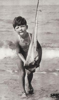 seaside on old postcards and photos Vintage Beach Photos, Vintage Pictures, Old Pictures, Vintage Images, Old Photos, Antique Photos, Vintage Photographs, Strand, Vintage Children