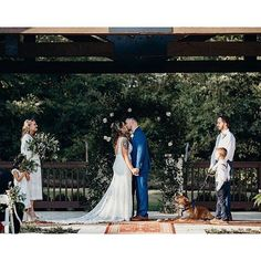 The first kiss as husband + wife is our absolute fave  Love love love this capture by @mothandmoonlite! #THESPRINGS #dfwweddings #dentontx #dallasvenue #dallasweddings #stylemepretty #greenweddingshoes #instadfw #dallasevent #dfwvenues #smpweddings #dfwweddingvenue #dentoning #northtexasbrides #bridesofnorthtx #texasvenue #northtexas #Regram via @springsvenue