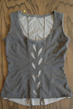 TUTORIAL-Reverse Applique Corset class by the workroom, via Flickr