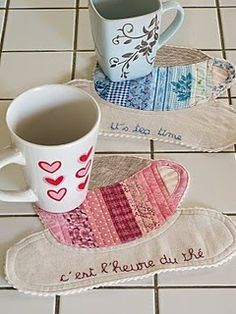 Love these mug rugs!