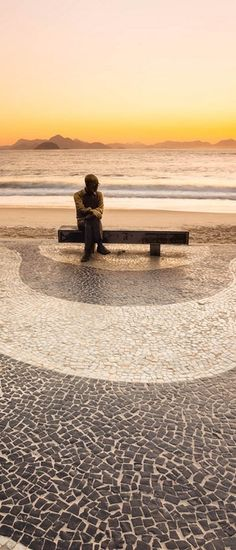 ~Staute of Carlos Drummond, Copacabana - Rio de Janeiro | The House of Beccaria