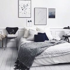 Gorgeous bedroom styling via @harlow_willow - lots of black, white and grey = fabulous colour combo! #bedroomstyle #bedroom #blackgreywhite #monochrome #interior #styling #neutral