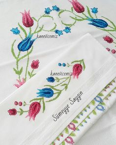 Crewel Embroidery, Bargello, Shabby Chic, Cross Stitch, Crochet, Model, Embroidered Towels, Cross Stitch Rose, Embroidery Hoop Crafts