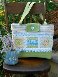 Beginner's Quilted Prairie Tote – PDF Sewing Pattern + 9 More Quilted Bags to Sew