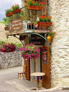 Maison d'atelier - Eze/Provence/Pin | via ysvoice