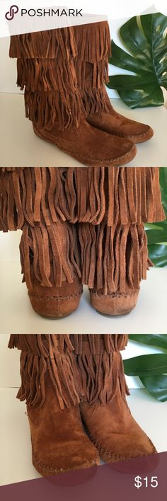 Fringe Moccasin Boots Fun winter moccasin style boots. Beautiful chestnut suede, with three layers of fringe. Please note signs of wear, pictured. Scuff on toe may come out with suede cleaner and brush. Size is not marked on shoe but will comfortably fit a size 10, measurements included! LC Lauren Conrad Shoes Winter & Rain Boots