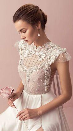 Unique Wedding Gowns, Amazing Wedding Dress, Wedding Dress Trends, Unique Dresses, Beautiful Dresses, Dress Wedding, Nontraditional Wedding Dresses, Lace Weddings, Trendy Wedding