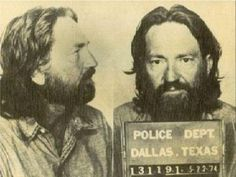Mugshot of American country singer Willie Nelson, arrested in 1974 by the Dallas Police Department for possesion of marijuana.SMOKE IT WILLY. Country Music Stars, Country Singers, Country Artists, Country Musicians, Outlaw Country, American Country, Willie Nelson Birthday, Rainha Do Rock, Celebrity Mugshots