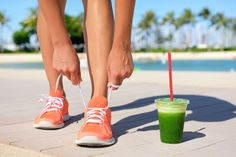 4 Delicious Post-Workout Smoothies With Plenty Of Protein – Kayla Itsines Fitness Smoothies, Healthy Smoothies, Healthy Drinks, Healthy Snacks, Eat Healthy, Green Smoothies, Pineapple Smoothies, Diet Snacks, Smoothie Diet