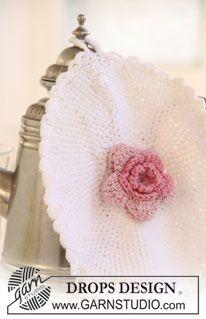 "DROPS pot holder with flower in "" Safran"". ~ DROPS Design.  FREE PATTERN 9/14."