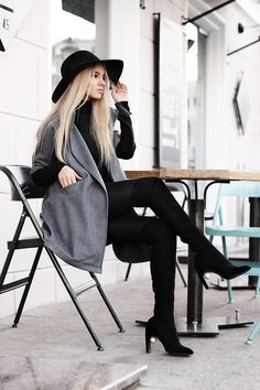 Kristina Dolinskaya - Dresslink.Com Gray Woolen Coat With Short Sleeve - Gray woolen coat