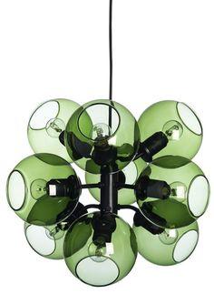 Modern taklampa i vacker grön färg.  #green #lampa #grön #inredning