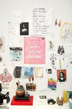 inspiration wall above desk..white wall decorated with pops of colour...tumblr roomspiration