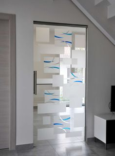 37 Glass Entry Door To Rock This Year interiors homedecor interiordesign homedecortips Source by petpenufva Easy Home Decor, Home Decor Trends, Home Decor Inspiration, Decor Ideas, Glass Partition Designs, Window Glass Design, Design Vitrail, Entry Doors With Glass, Glass Door