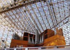 Parte do órgão de tubos da Catedral de Cristal em Garden Grove, Califórnia, USA.  Fotografia: http://www.taringa.net