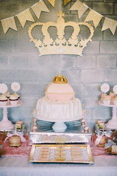 Royal Birthday Celebration with So Many Spectacular Princess Party Ideas via Kara's Party Ideas. Queen Birthday, 60th Birthday Party, Birthday Celebration, Birthday Month, Baby Shower Princess, Princess Party, Royal Princess, Crown Party, Royal Party