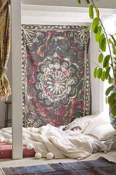 Tapisserie batik Lakshmi Magical Thinking - Urban Outfitters