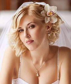 nice 55 Classy Wedding Hairstyles for Medium Hair Ideas to Makes You Look Beautiful  http://lovellywedding.com/2017/09/28/55-classy-wedding-hairstyles-medium-hair-ideas-makes-look-beautiful/
