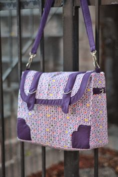 Kennedy Bag Pattern ~ Look at the Bags! - Sew,Mama,Sew! Blog - need to click through for the pattern and instructions