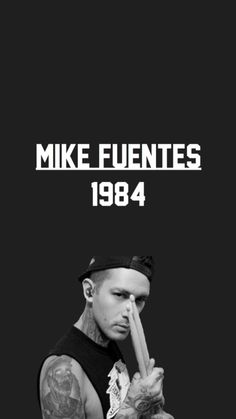 Mike Fuentes//Pierce The Veil Emo Bands, Music Bands, Band Photos, Panic! At The Disco, Wall Papers, Black Veil Brides, Pierce The Veil, Sirens, Circles