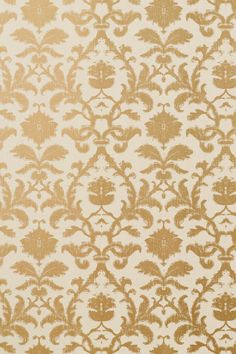 Combining feminine and rustic charms, Anita Damask is subtle and sultry with burnished metallics, soft neutrals, and Indian influenced shapes. The clean lines upon sleek #wallcoverings and natural linens will enrich and soften your enrivon, as this historic art form is reimagined with a more organic feel. Featured here in #metallic on #tan from the Shang-ri La collection. #Thibaut