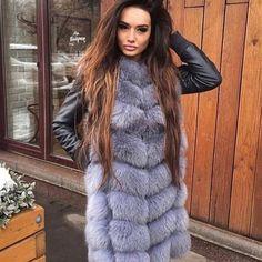Long Hair and Fox Chinchilla, Real Fur Vest, Long Fur Coat, Latest Fashion For Women, Womens Fashion, Fur Clothing, Bodycon Dress With Sleeves, Great Women, Fur Fashion