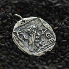 Argent sterling charme de lancienne pièce de monnaie Hibou