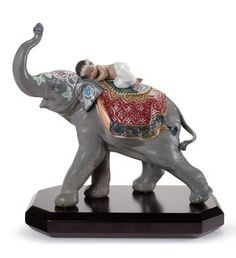 01008478  JAIPUR FESTIVAL   Issue Year: 2009  Sculptor: Virginia González  Size: 26x27 cm  Base included
