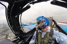 Fête nationale du 14 juillet 2014: Athos 01. Leader de la Patrouille de France. Ciel de Paris. - Paris Match
