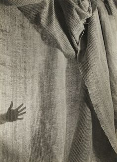 Imogen Cunningham, Hand Weaving with Hand, 1946, Phillips: The Odyssey of Collecting