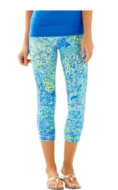 5464f46e704 Lilly Pulitzer Weekender Cropped Leggings Sea Blue Lilly s Lagoon XS