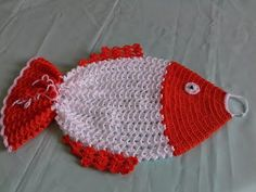YouTube Crochet Fish, Knit Crochet, Crochet Hats, Plastic Bag Holders, Gallery Frames, Knit Pillow, Crochet Kitchen, Cozy Blankets, Natural Texture