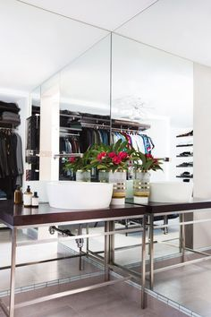 The Fashion Police host arrests his closet chaos and turns over a new leaf with the help of Lisa Adams of LA Closet Design   archdigest.com