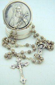 Womens Small Silver Rosebud Bead Rosary Saint St Therese w Keepsake Case Italy