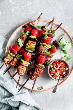 Tuna and Strawberry Skewers - Tuna, veggies, and strawberries create the perfect blend of sweet and savory flavors for these tast - Healthy Strawberry Recipes, Strawberry Salsa, Healthy Recipes, Kebabs, Skewers, Tuna Steaks, Fruits And Veggies, Strawberries