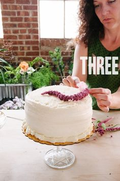 How To: A Trio of Grocery Store Wedding Cakes A Practical Wedding: Blog Ideas for the Modern Wedding, Plus Marriage