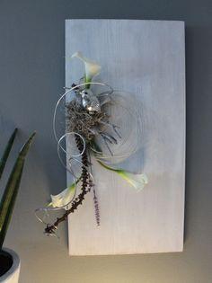 Fresh WD u Zeitlose Wanddeko Holzbrett wei gebeizt dekoriert mit nat rlichen Materialien einem Vogel
