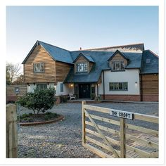 Potton Self-Build We love this modern twist on a traditional country home. Modern Bungalow Exterior, Modern Bungalow House, Modern Farmhouse Exterior, Dream House Exterior, Farmhouse Plans, Modern House Design, Dormer House, Bungalow Conversion, Oak Frame House