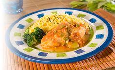 Receta de Corvina a la Veracruzana - PRONACA Cantaloupe, Risotto, Shrimp, Meat, Chicken, Fruit, Ethnic Recipes, Food, Recipes