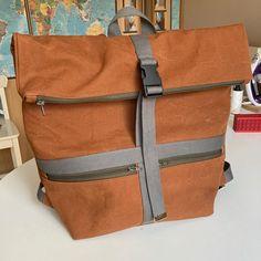 Cindy Godin sur Instagram: Un sac Troïka taille L, en toile Military #sacotintroika #sactroika #sacotin #lamerceriedescreateurs